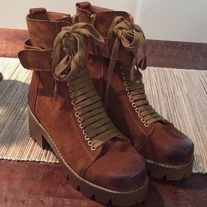 Shoes - leather lace up ankle brown boots